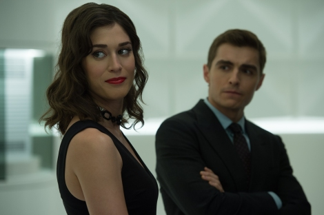 Lula (Lizzy Caplan, left) and Jack Wilder (Dave Franco, right) in NOW YOU SEE ME 2. Photo Credit: Jay Maidment